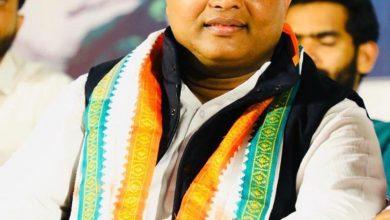 Photo of It is dangerous for BJP to influence public opinion through Facebook, WhatsApp: Srinivas B.V.